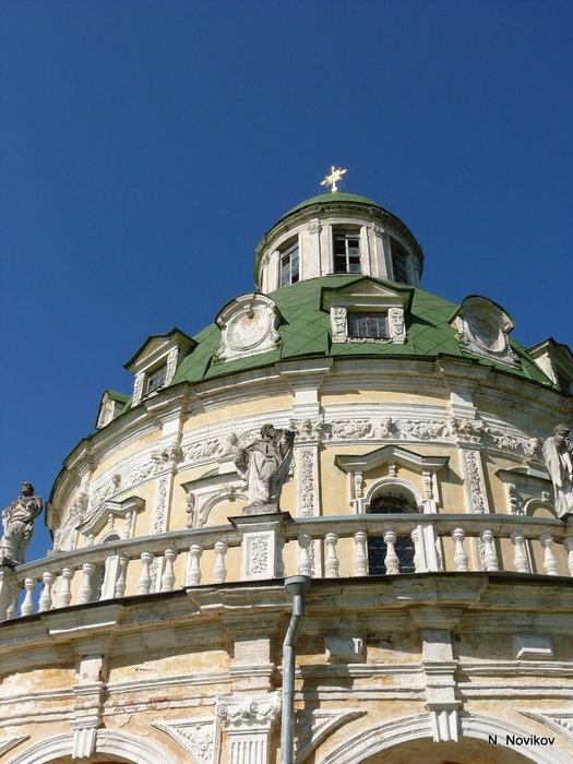 Этой церкви в бывшем имении князей Долгоруковых в Подмоклове более двух веков