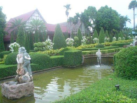 Французский сад. Нонг Нуч.