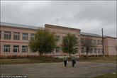 Рядом с Есенинской — школа действующая, современная.