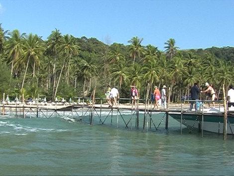Мы приплыли на остров!