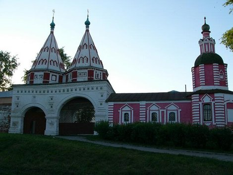 10. Святые ворота Ризоположенского женского монастыря