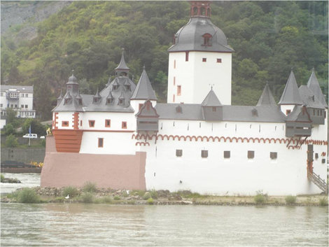 Замок-корабль