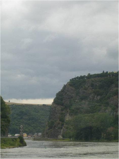 Знаменитая скала Лореляй Земля Рейнланд-Пфальц, Германия