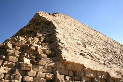 Облицовка ломаной пирамиды