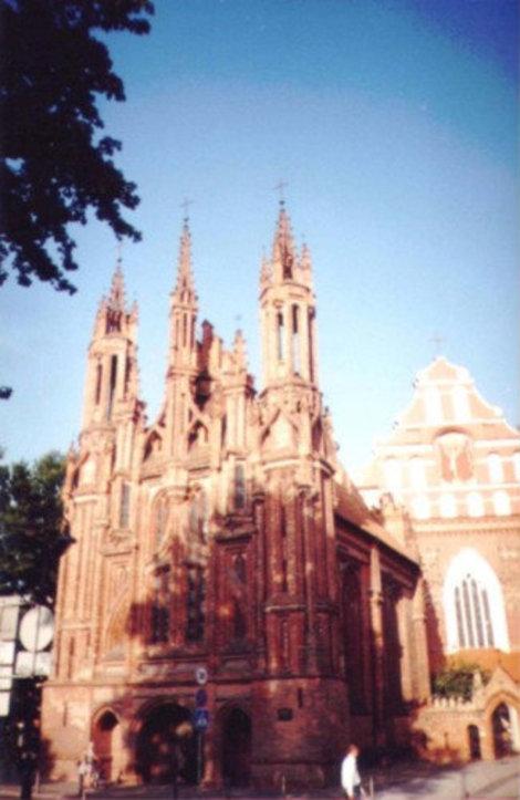 Собор Св.Анны и Св.Иеронима в Вильнюсе