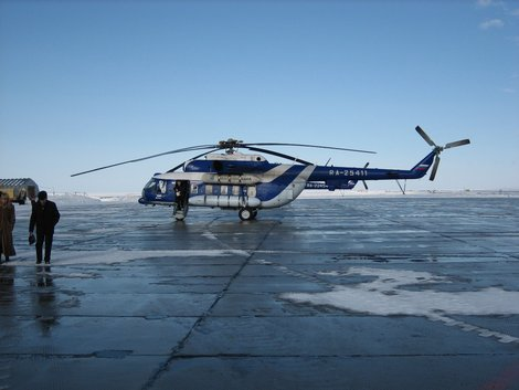 Вертолет, на котором нас возили