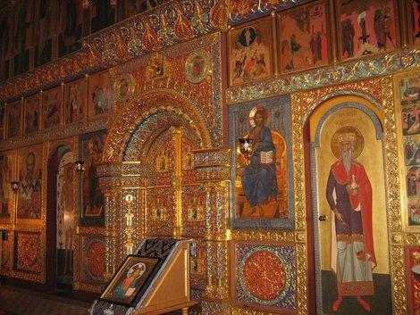 Иконостас церкви в Ямбурге