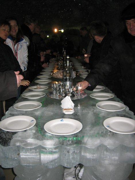 Ледяной стол в мерзлотнике