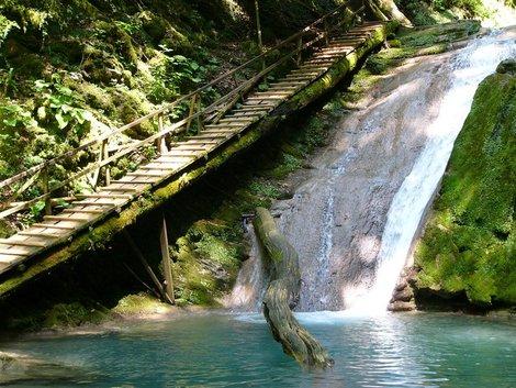 33 водопада на ручье Джегош