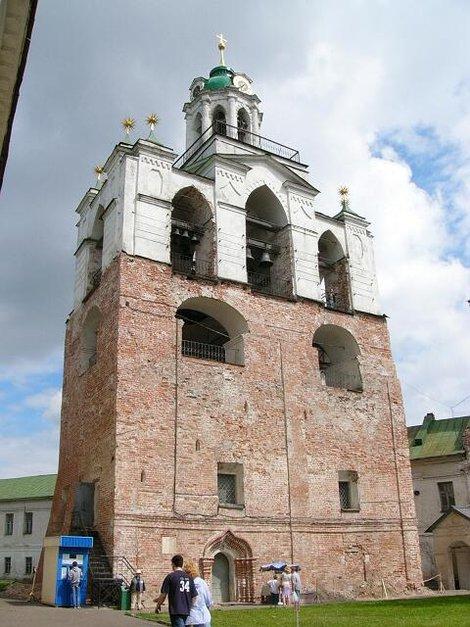 36. Звонница Спасо-Преображенского монастыря
