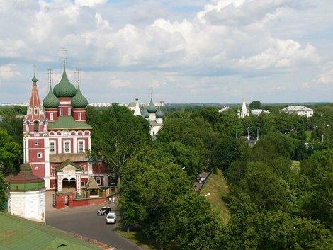 42. Вид со звонницы Спасо-Преображенского монастыря. Церковь Михаила Архангела