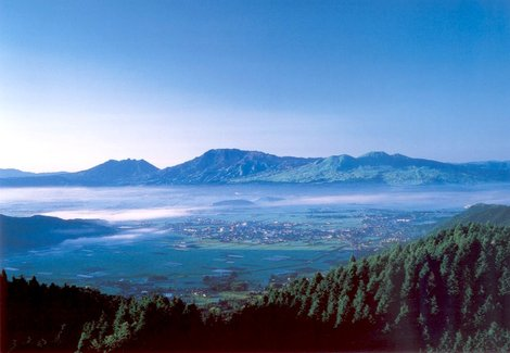 Долина Асо (с открытки)
