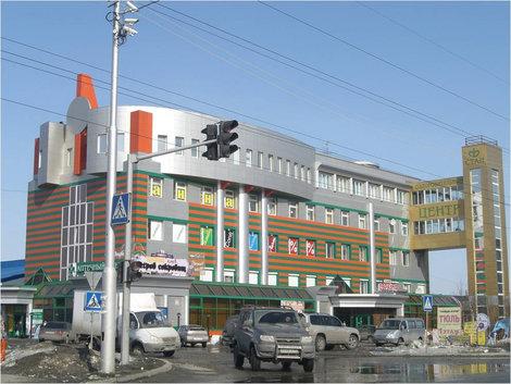 Пример здания в горизонтальную полосочку