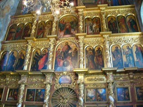 42. Иконостас церкви Дмитрия на Крови в Угличском кремле. Установлен в 1866 г. Выполнен с подражанием барочному стилю