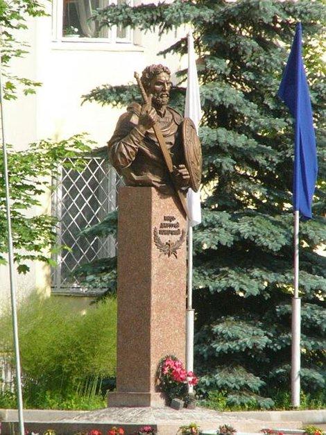 61. Памятник Дмитрию Пожарскому