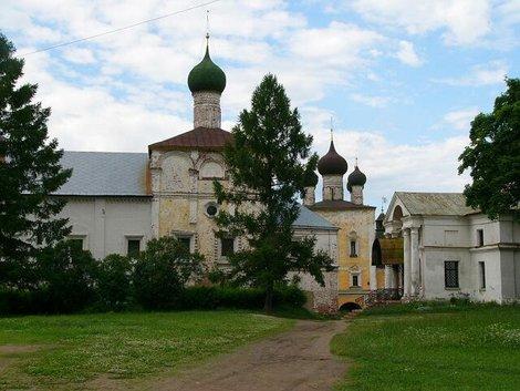 67. Благовещенская церковь с трапезной палатой