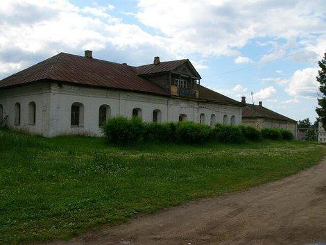 70. Монастырские постройки
