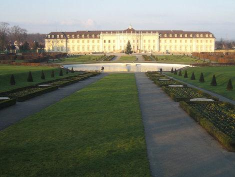дворец Людвигсбург