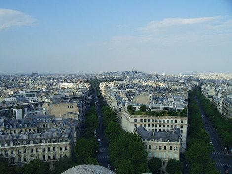 Вид с арки на Монмартр