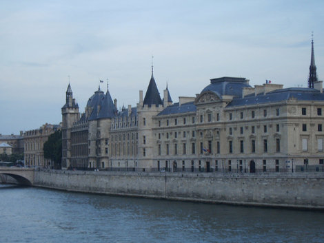 Старейший королевский дворец — Консьержери