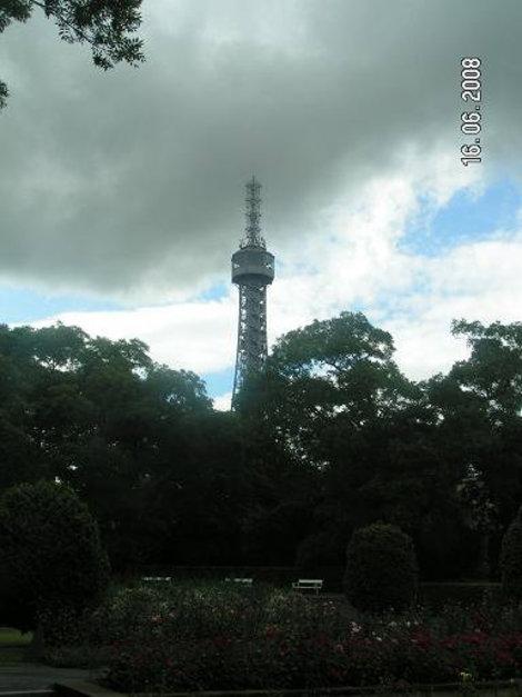 Практически Эйфелева башня