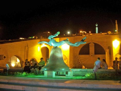 Скульптуры Каскада