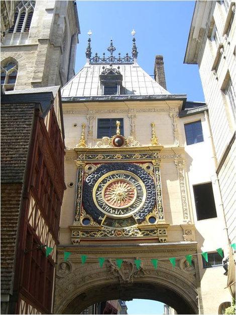 Часы в Руане