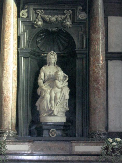 Мадонна Микеланджело