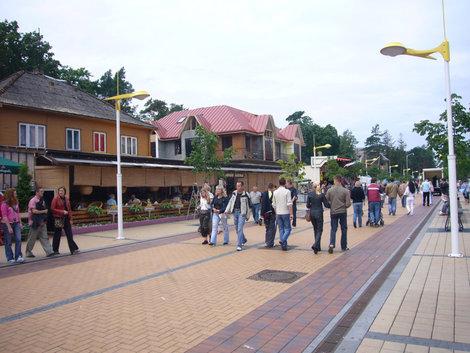 Пешеходная ул. Басанавичюса — дорога к пляжу.