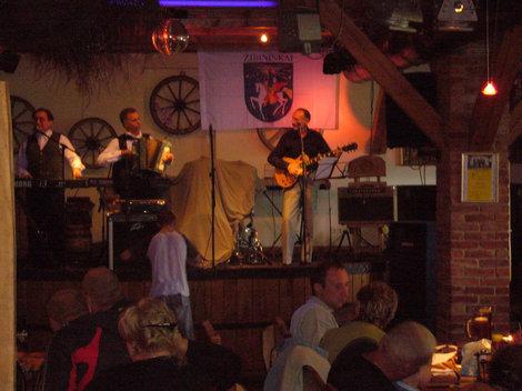 Музыканты  в ресторане на Хуторе Йозаса.