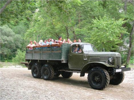 На таком грузовике мы ехали