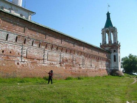 01. Стены Спасо-Яковлевского монастыря