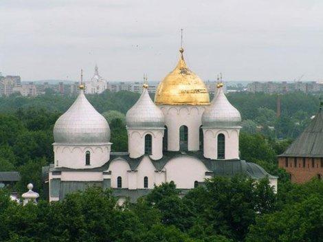 Главный собор Великого Новгорода -Софийский.