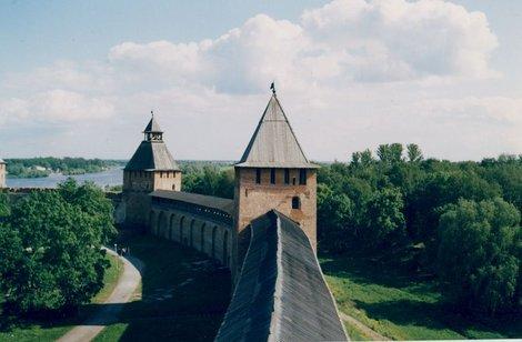 Вид на Волхов с башни Кокуй.