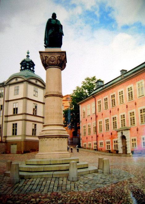 Памятник-колонна основателю Стокгольма Биргеру Ярлу на Риддархольме