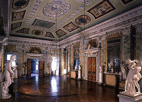 Зал в стиле Просвещения