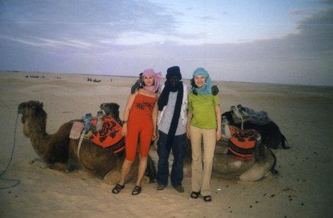 В Сахаре с погонщиком верблюдов
