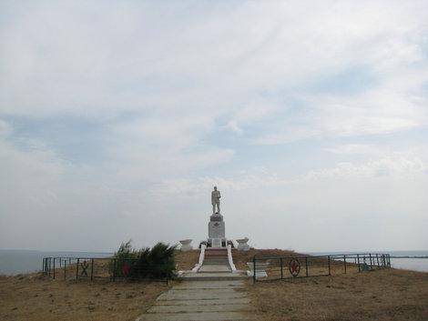 Веселовка: памятник