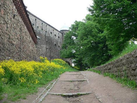 Стены замка.