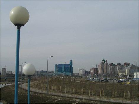 Здание вдалеке