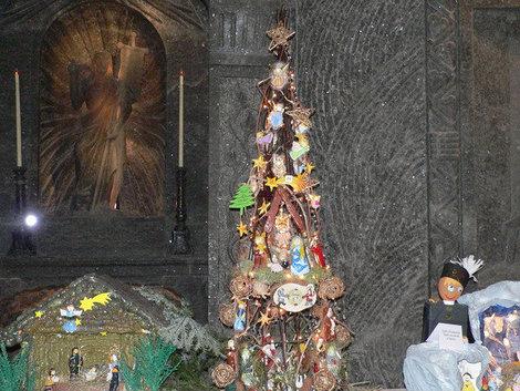 Рождественские дары в часовне св. Кинги.