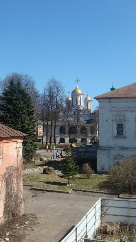 Внутри Спасо-Пребраженского монастыря