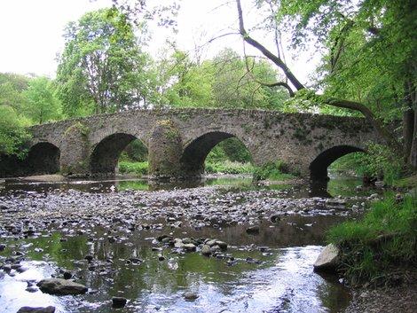 Средневековый мост через Нистер
