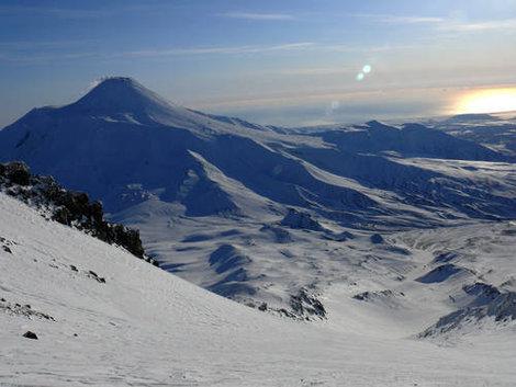 зима, вид с Коряки на долину, видна Авача
