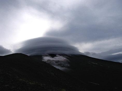 Авача в облаке
