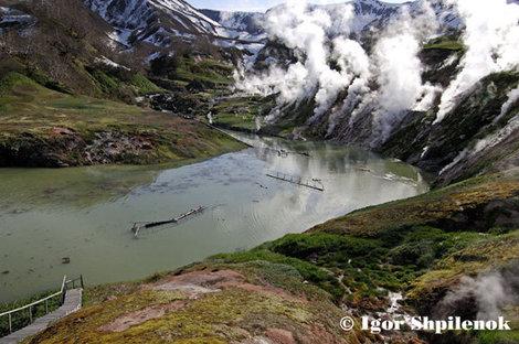 Запрудное озеро на третий день после сходя оползня.