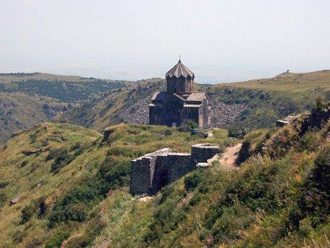 Церковь крепости Амберд