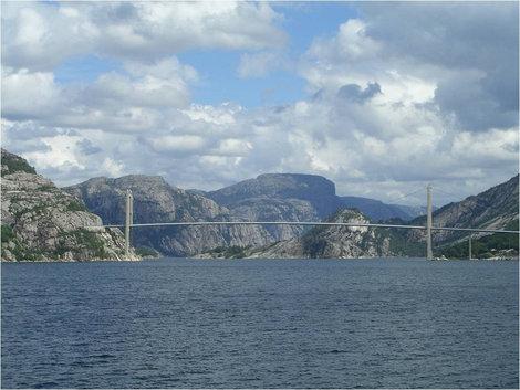 Мост через фьорд