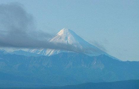 на горизонте — Корякский вулк