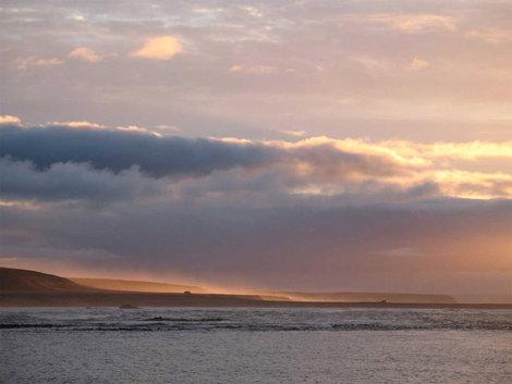 Рассвет на острове.
